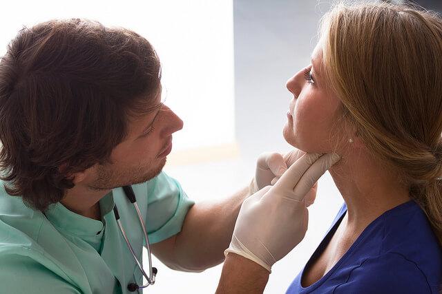 Ангина при беременности: причины, симптомы и опасность