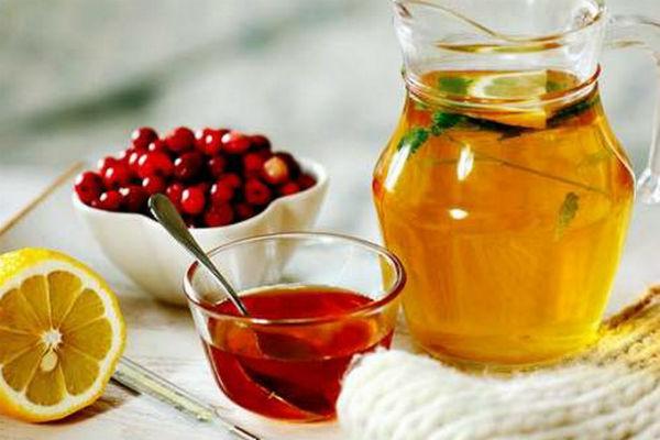 Народные средства от кашля взрослым, отхаркивающее лекарство принимают во время гриппа или простуды