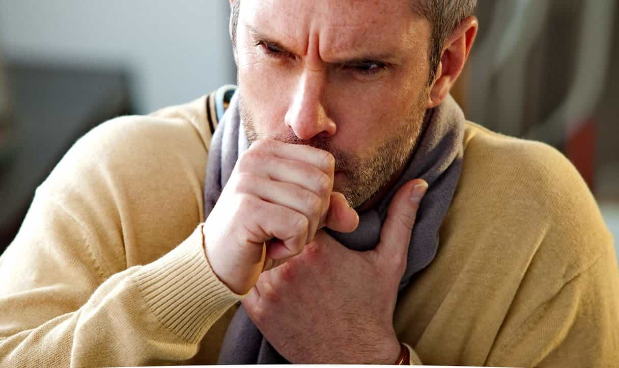 Эффективное средство от кашля взрослым: чем лечить сухой и влажный кашель