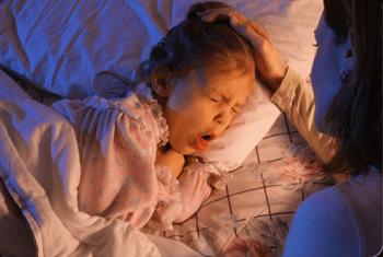 Лающий кашель у ребенка: причины, симптомы и методы лечения при лающем кашле с температурой и без