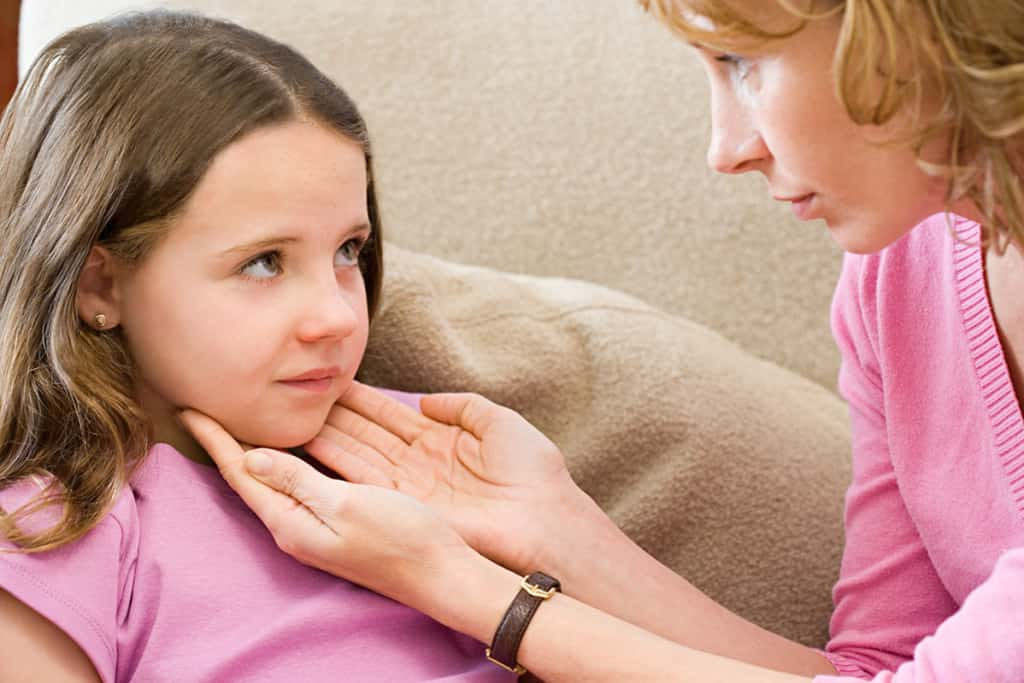Сыпь при мононуклеозе: фото и особенности ее проявления у детей и взрослых
