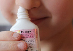 Капли в нос Изофра – современный антибактериальный препарат для борьбы с инфекционным насморком