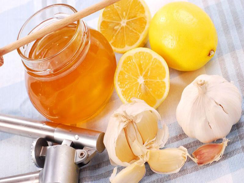 Как лечить насморк народными средствами: народные рецепты с травами и медом от насморка и для лечения ринита