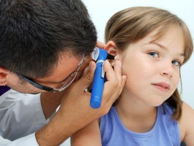 Отит у детей: симптомы отита у ребенка, основные признаки острого отита
