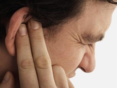 Двухсторонний отит у ребенка и взрослых, симптомы и лечение