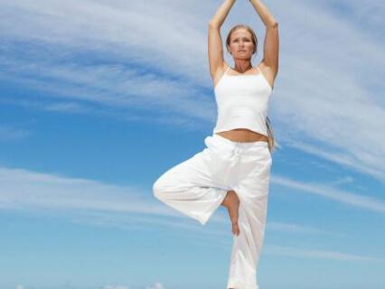 Упражнения при гайморите можно выполнять на свежем воздухе