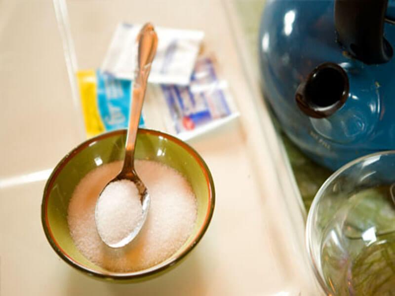 Как сделать раствор с солью для промывания носа ребенку